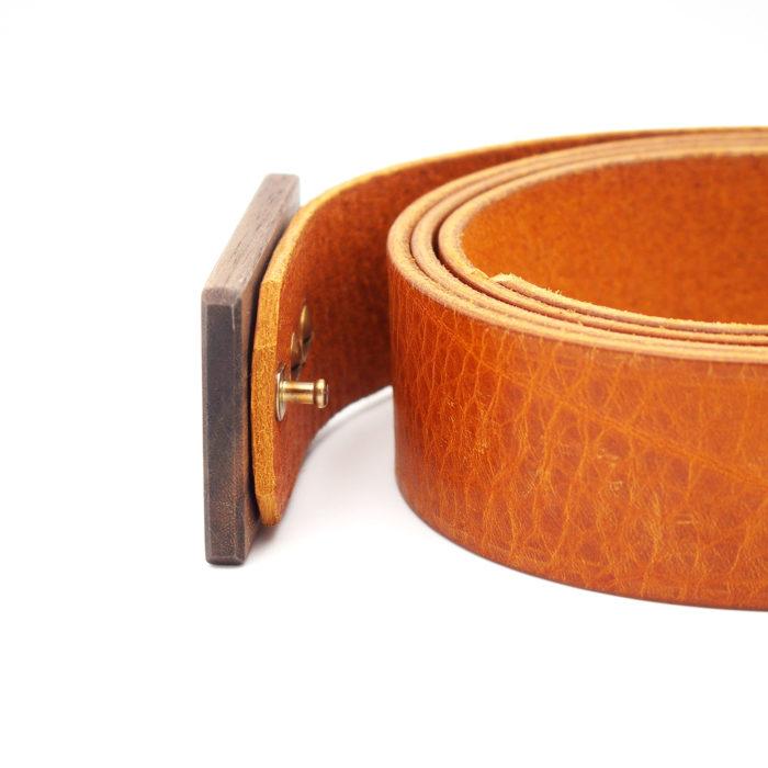Ledergürtel mit Holzschnalle Nuss