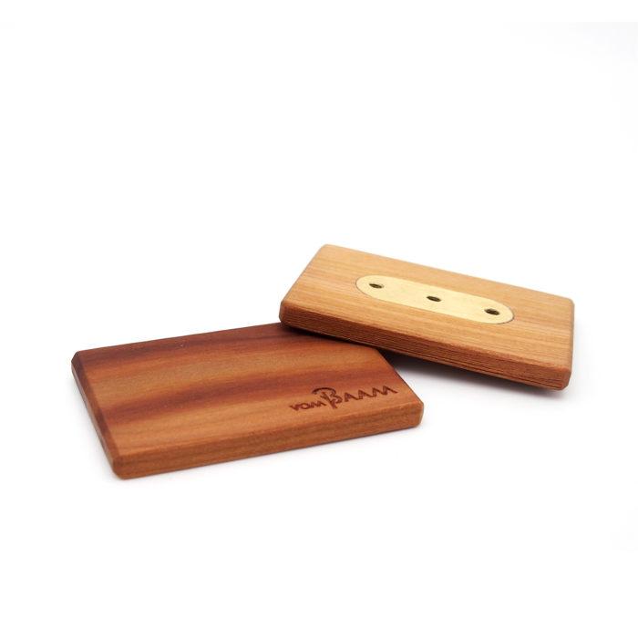 Gürtelschnalle aus Holz