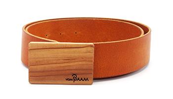 Ledergürtel mit Schnalle aus Holz vom baam